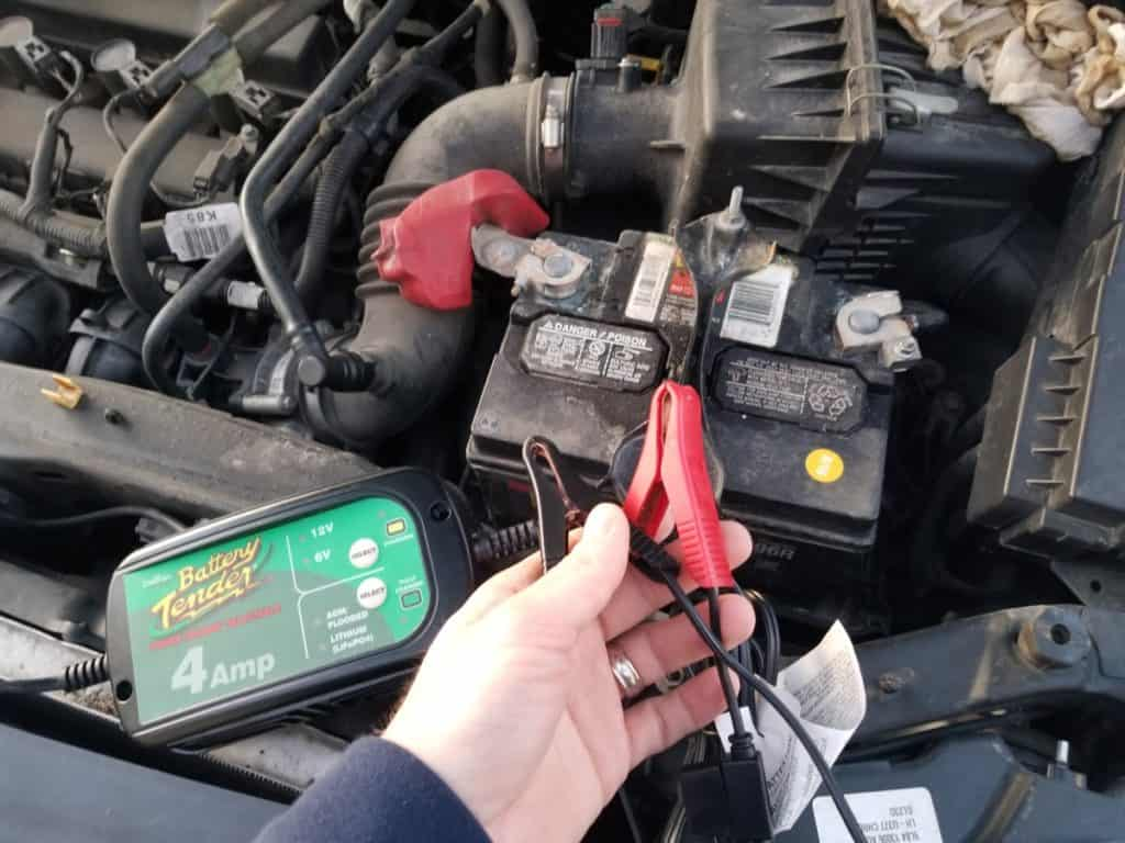 should i disconnect a car battery before charging?